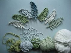 I designed these delicate fern leaves as a component for my crochet Winter Wreath. They would also make a very pretty addition to a crochet flower corsage or brooch project (I can picture them with roses and daisies! Crochet Diy, Freeform Crochet, Crochet Motif, Irish Crochet, Crochet Crafts, Crochet Leaf Free Pattern, Crochet Stitch, Crochet Leaves, Knitted Flowers