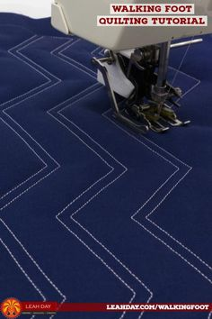 How to Quilt Pinstripe Ziggie - Walking Foot Quilting Tutorial Quilting Rulers, Quilting Tips, Free Motion Quilting, Quilting Tutorials, Machine Quilting Patterns, Quilting Templates, Quilting Stitch Patterns, Nancy Zieman, Blog Art