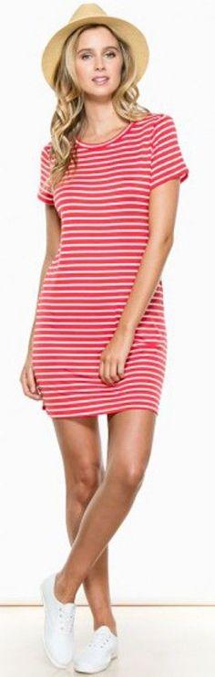 T-shirt dress ==