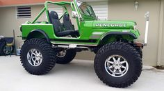 rugescdj: 85 CJ7 Love this jeep what in it and what color is that green call got more pic