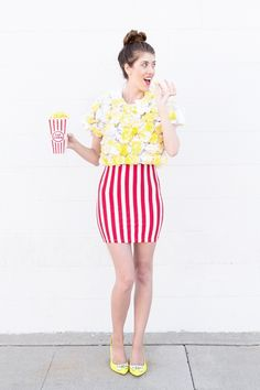 12 DIY Halloween costume for women. Try these easy DIY costume to spark at Halloween nights party. These 12 beautiful Halloween costume for girls will give you lots of goosebumps. Hallowen Costume, Last Minute Halloween Costumes, Cute Costumes, Halloween Kostüm, Halloween Costumes Women Creative, Woman Costumes, Office Halloween Costumes, Halloween Popcorn, Teen Costumes