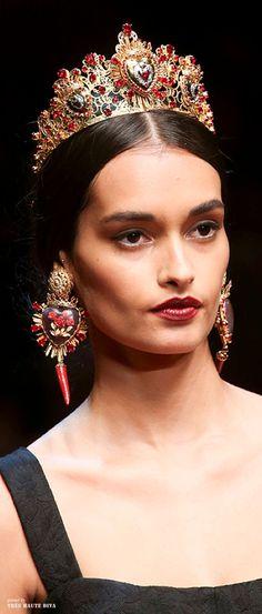 Fairytale Fashion Fantasy / karen cox.  Dolce & Gabbana SS 2015 ♔ detail