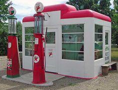 Google Image Result for http://www.trailergypsies.com/_images/Benton-Museum-Station.jpg