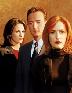 """The X Files"" Annabeth Gish, Robert Patrick and Gillian Anderson Science Fiction, Annabeth Gish, X Files, Mitch Pileggi, David And Gillian, Fbi Special Agent, Chris Carter, Image Film, Dana Scully"