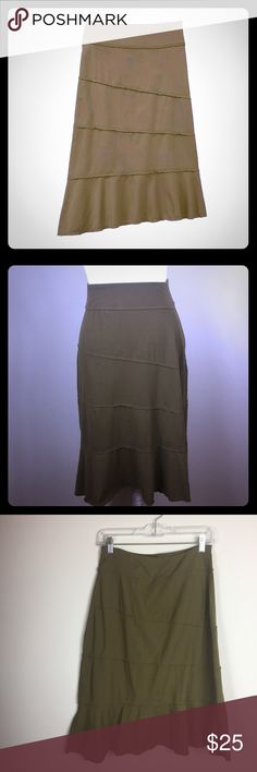 Athleta Crescendo Tiered Skirt Earth Green Sz S Athleta Crescendo Tiered Skirt Earth Green Sz S. Good condition.  - 90% tactel nylon - 10% Lycra spandex Thank you for visiting! Athleta Skirts