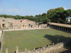 Palestra (Antiguidade) – Wikipédia, a enciclopédia livre Dolores Park, Travel, Antiquities, Historia, Viajes, Destinations, Traveling, Trips