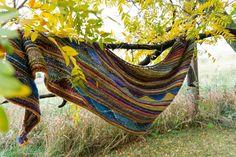 Octopus Garden Shawl | Free Knitting Pattern - Biscotte Yarns Free Knitting, Knitting Patterns, Richard Starkey, Beatles Albums, Needle Gauge, Ringo Starr, Stockinette, Stitch Markers, Under The Sea
