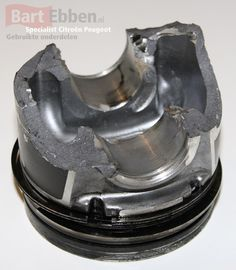 Not all second hand car parts are usefull... This Citroen Jumper or Relay piston is definately broken!  Citroen Jumper Kolben unbedingt unbenutzbar! http://bartebben.com/map/used-car-parts/citroen-relay.html http://bartebben.de/map/gebrauchte-ersatzteile/citroen-jumper.html http://bartebben.nl/map/gebruikte-onderdelen/citroen-jumper.html