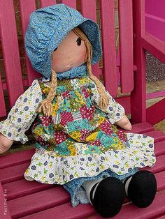 I LOVED holly Hobbby!!! i was sooo happy when my mom decorated my room at age 5 all in Holly Hobbie!! My favorite dress too was one my mom made me that was Holly Hobby!