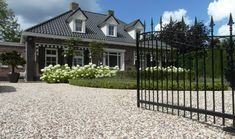 Rental Property, Garden Styles, Decoration, Garden Inspiration, Outdoor Living, Home And Garden, Villa, Patio, Mansions