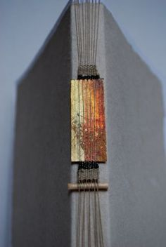 Loom Binding - Photo Tutorial  http://ayenforpaper.typepad.com/folios/2009/11/loom-binding.html