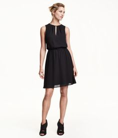Ärmlös klänning| H&M SE