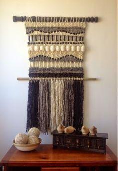 Telaresytapices .... Maria Elena Sotomayor : Los elegantes grises ..... Weaving Textiles, Weaving Art, Tapestry Weaving, Loom Weaving, Wall Tapestry, Hand Weaving, Weaving Wall Hanging, Wall Hangings, Creative Textiles