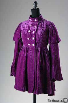 Apple Boutique purple velvet coat, c. 1968. Gift to FIT from Helena Hernmarck.