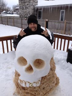 """So my Uncle made this """"snowman."""" This is art right? - Imgur"""