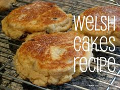 St David's day recipes and crafts: Welsh cakes and bara brith (for March Welsh Cakes Recipe, Welsh Recipes, St Davids Day Recipes, Baking Recipes, Cake Recipes, Roll Out Sugar Cookies, Saint David's Day, International Recipes, Sweet Tooth