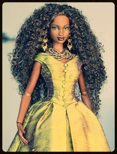 Kwanzaa Barbie on Integrity Toys' Jem & the Holograms body. (by Letizia / T)