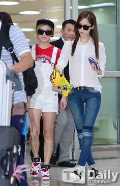 SNSD Hyoyeon and Yoona Airport Fashion 140714 2014