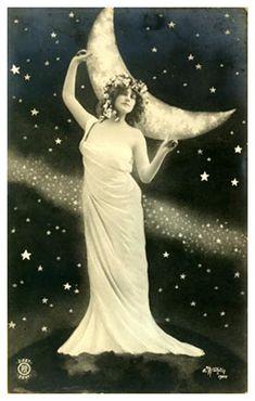 Vintage Lady 32 by Beinspyred.deviantart.com