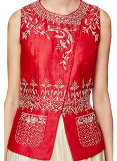 Trendy how to wear red dress haute couture ideas Lehenga Designs, Kurta Designs, Blouse Designs, Indian Dresses, Indian Outfits, Look Short, Indian Designer Wear, Indian Designers, Fashion Designers