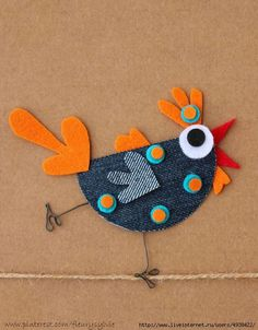 Une maman poule jeans recycle www toutpetitrien ch fleurysylvie – Artofit Denim Crafts, Felt Crafts, Easter Crafts, Fabric Crafts, Crafts For Kids, Arts And Crafts, Wool Applique, Applique Patterns, Chicken Crafts