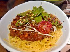MyIndigo in Salzburg; Red Thai, Vegan Recipes, Vegan Food, Bolognese, Salzburg, Japchae, Spaghetti, Curry, Lunch