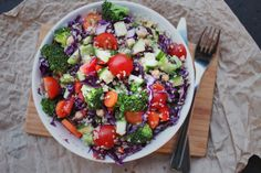 Regnbuesalat m. quinoa & rødkål - happyfoodstories