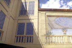Franziskaner-Nebenwand Fassadenmalerei mit Silikat-Farben (Zum Franziskaner, München)