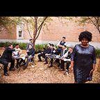 THE SUFFERS - ザ・サファーズ ARTISTS BLUE NOTE TOKYO 紅一点カム・フランクリンの歌声にも注目が集まる  モダン・ヴィンテージ・ソウルの新星が来日!  テキサス州ヒューストンから、モダン・ヴィンテージ・ソウルの決定打がやってくる。強烈なグルーヴ、ファンキーなアレンジ、ダイナミックなホーン・セクション、そして紅一点カム・フランクリンのソウルフルな歌声で注目度急上昇中のザ・サファーズが、同名のファースト・アルバムを携えて初来日するのだ。2011年に結成され、スタックス・レーベルに代表されるサザン・ソウルを基調に、ロック、ジャズ、ブルース、ラテン、ヒップホップなどの要素を取り入れて現代ならではのセンスで解釈。バズフィードの企画「25 New Artists You Need in Your Life in 2015」のひとつにも選ばれたザ・サファーズの真髄が、ついにライヴで満喫できる。
