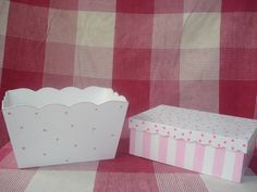 Imagen relacionada Pintura Country, Valance Curtains, Mattress, Decoupage, Decorative Boxes, Bed, Babys, Pastel, Furniture