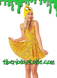 ADVENTURE TIME JAKE THE DOG SKATER DRESS  Vestido con el personaje de la serie Hora de Aventuras (Adventure Time): Jake el Perro, de color amarillo, en varias posturas y tamaños. Impresión digital. Ceñido, sin mangas y con falda de vuelo. Materiales: polyester y spandex.  COLOR: AMARILLO TALLA: ÚNICA  ÚNICA - vale para tallas 36 a 42, hasta 95 cm pecho aprox  DE LA MISMA COLECCIÓN