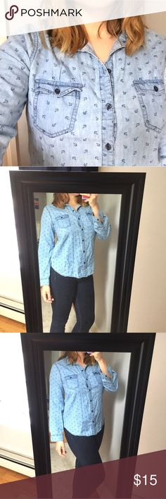"""Old Navy denim-style anchor button down - Size: M - Material: 100% cotton  - Condition: excellent  - Color: blue - Pockets: yes  - Closure: button down - Style: denim look, little anchors, button down - Pair with: white shorts or jeans and sandals - Extra notes:   *Measurements:  Bust: 20"""" flat Waist: 19"""" flat Length: 26"""" Sleeve: 30"""" Old Navy Tops Button Down Shirts"""