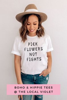This shirt looks cute tied in a knot, with denim shorts, and a braid. To complete your look, add some flowers to your hair! Hippie T Shirts, Hippie Tops, Boho Tops, Hippie Style, Hippie Outfits, Mom Outfits, Fall Outfits, Hippie Fashion, Graphic Tees