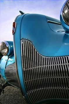 1939 Buick Eight | More here: http://mylusciouslife.com/stylish-home-luxury-garage-design/