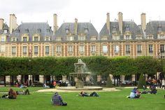 Paris Marais Place des Vosges 1