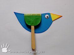 Ptáček s plástvovými křídly
