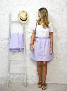 La jupe Lilas – Les Coupons de Saint Pierre Diy Jupe, Denim Skirt, Midi Skirt, Diy Vetement, Couture Dresses, Clothing Patterns, Diy Clothes, Free Pattern, Dressing