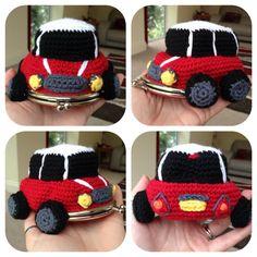 He encontrado este interesante anuncio de Etsy en https://www.etsy.com/es/listing/197289316/mini-car-coin-purse-crochet-pattern