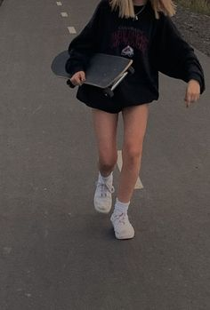 skate style gracie-mckean gracie-mckean, Source by The post gracie-mckean appeared first on How To Be Trendy. Skater Mädchen Outfits, Mode Outfits, Grunge Outfits, Fashion Outfits, Fashion Fashion, Child Fashion, Bohemian Fashion, Petite Fashion, African Fashion