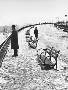 "joeinct: ""River Walk of Carl Schurz Park, Photo by André Kertész, 1948 """