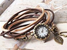 Wunderschöne Vintage Leder Armbanduhr, angefertigt aus Rundleder- & Naturlederriemen in fantastischen Herbsttönen.
