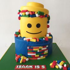 Cakespiration: 18 awesome LEGO cakes to build Lego Party Decorations, Bolo Lego, Lego Birthday Party, Birthday Cakes, 16th Birthday, Birthday Ideas, Birthday Parties, Fig Cake, Cake Images