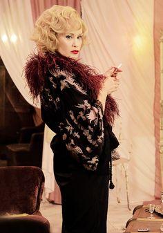 Jessica Lange~ Elsa Mars, American Horror Story Freak Show Ahs, Drama, American Horror Story Freak, Pop Art, Evil Clowns, Cultura Pop, Coven, Best Shows Ever, Horror Stories