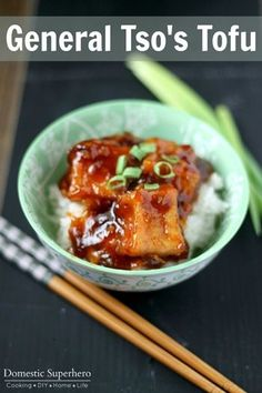 General Tso's Tofu is a vegetarian alternative to chicken. The sweet spicy sauce is the perfect compliment to the crispy tofu. Veggie Recipes, Asian Recipes, Vegetarian Recipes, Cooking Recipes, Healthy Recipes, Simple Tofu Recipes, Cooking Tofu, Vegetarian Dish, Veggie Food