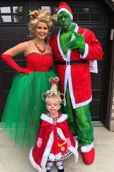 christmas costumes grinch Celebrate with Over 50 Amazing Christmas Party Themes Ask your guests to get silly and come dressed in their favorite holiday costumes, whether its Santa, Frosty, or a holiday elf. Grinch Halloween, Diy Halloween Costumes For Kids, Theme Halloween, Christmas Costumes, Diy Costumes, Costume Ideas, Grinch Party, Halloween Birthday, Couple Halloween