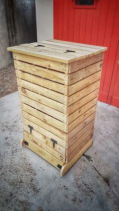 DIY: Make a pallet wood composter