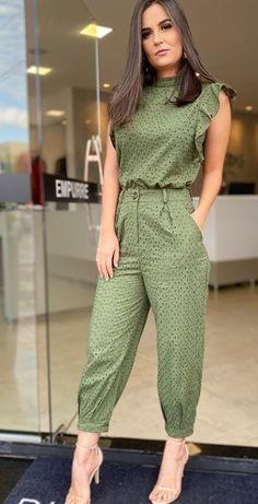 Stylish Dress Designs, Stylish Dresses, Nice Dresses, Casual Dresses, Casual Outfits, Fashion Dresses, Iranian Women Fashion, Indian Designer Outfits, Ideias Fashion