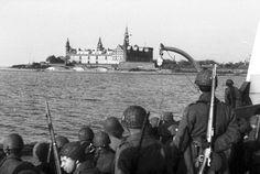 Den danske Brigade - på Øresund ved Kronborg - på vej fra Sverige til Helsingør, d. 5. maj 1945