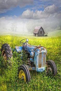 Fix John Deere Tractors 737183032742771740 - 75 old tractors amazing vintage ideas – We Otomotive Info Source by Antique Tractors, Vintage Tractors, Vintage Farm, Vintage Trucks, Old Trucks, Vintage Ideas, Tractor Pictures, Barn Pictures, Ford Tractors