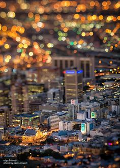 Lensbaby Composer Pro with Edge 80 Optic - cityscape - Photo by Nadine Swart